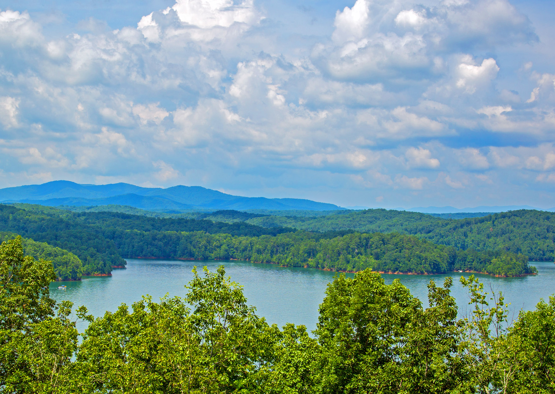 Carters-Lake-from-a-Mountain-Photo-by-Bill-Vanderford