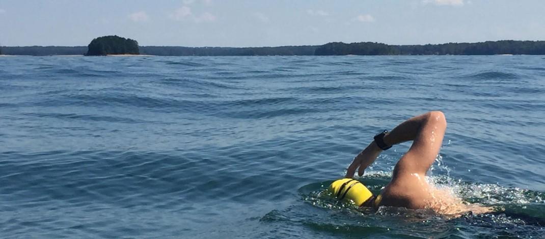 Swimmer crosses Lake Lanier to raise waterways awareness